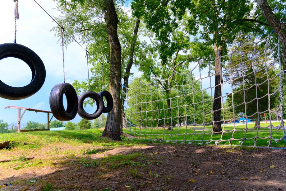 Low ropes course facility